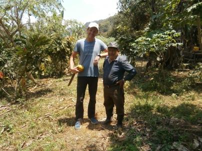Nico et le doyen des travailleurs Don Luis 85 ans